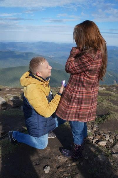 Вінничанин освідчився коханій на вершині Говерли - фото 1