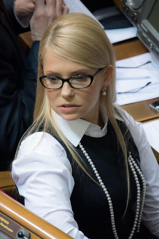 Чому розплетена коса: еволюція зачісок Тимошенко  - фото 1