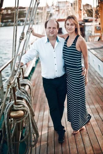 """Лідер """"ТІКу"""" Бронюк опублікував романтичну фотосесію з дружиною - фото 1"""