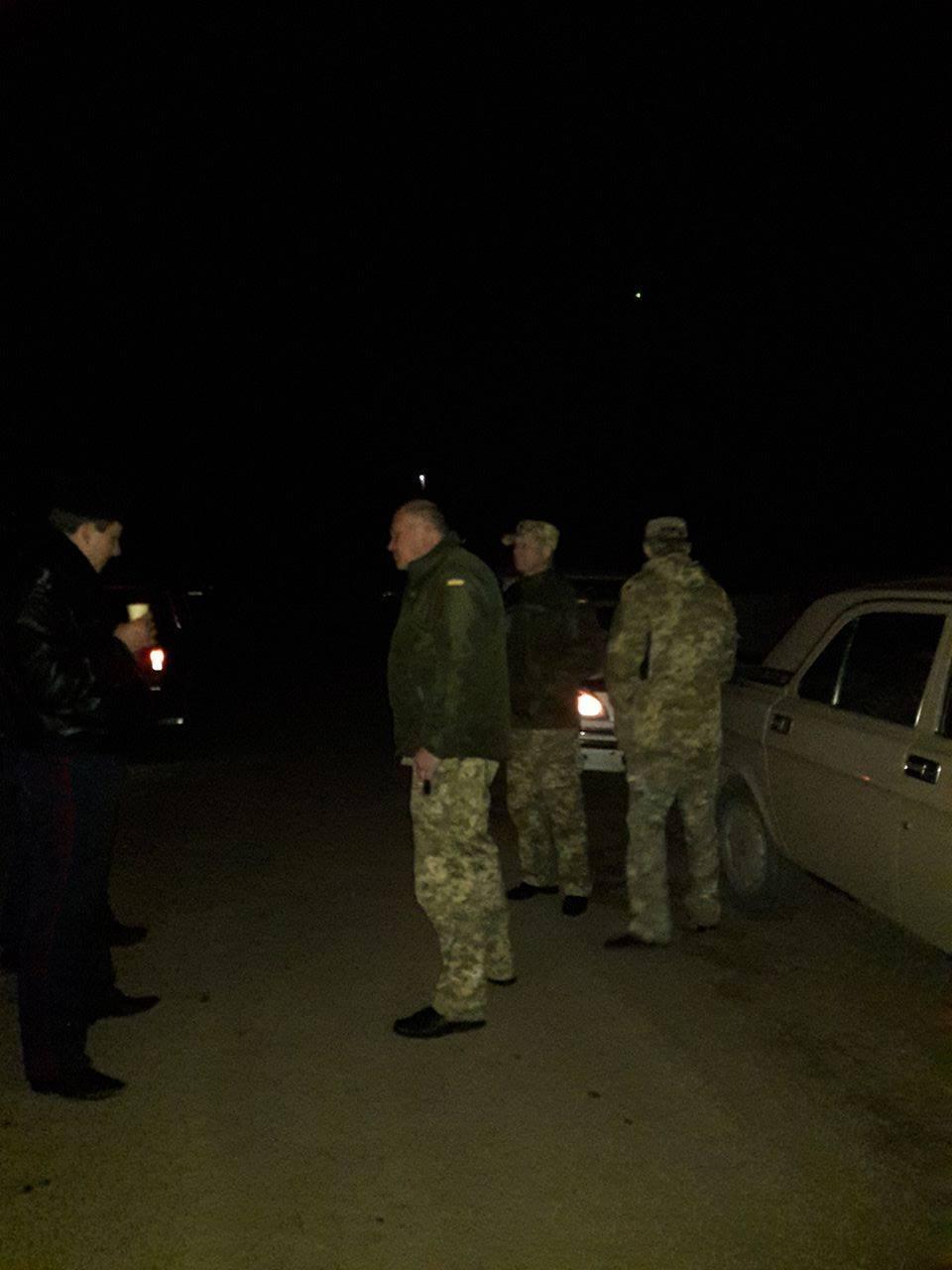 """Продавцям """"бухла"""" біля Широколанівського полігону виписали повістки в армію - фото 2"""