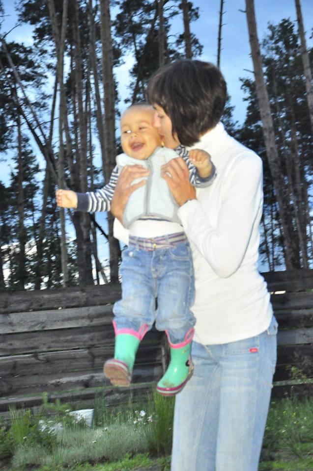 Вудочка для мами: як волонтери допомагають матерям-одиначкам налагодити життя - фото 13