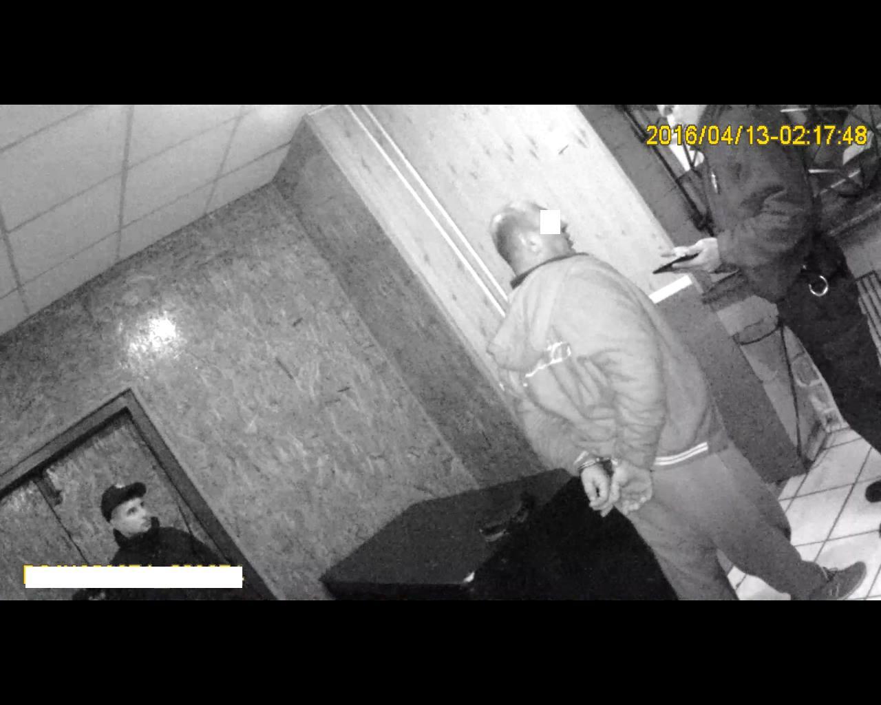 У Миколаєві патрульним довелось скручувати п'яного водія та ловити розбійника - фото 2