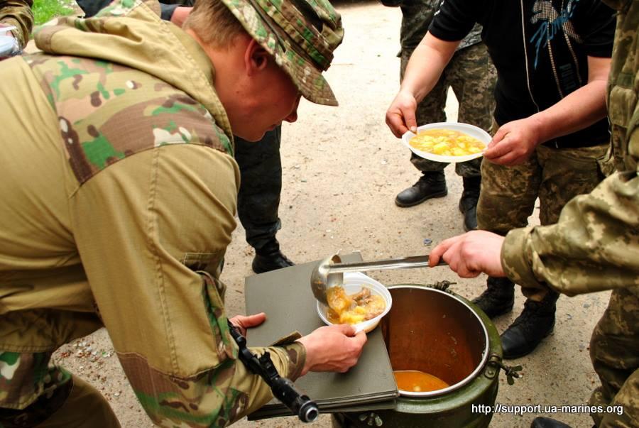 Майовка на війні: Як виглядають пікніки бійців АТО - фото 16