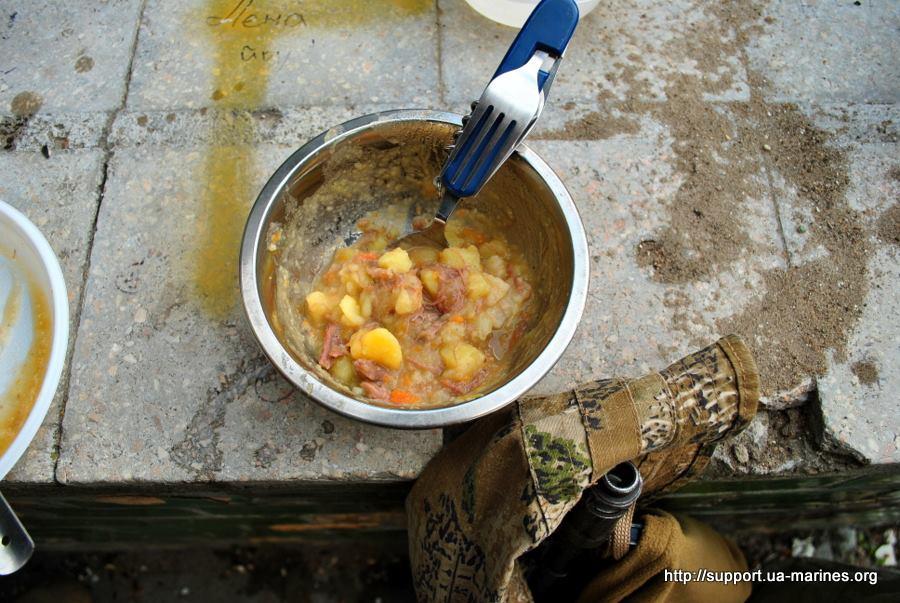 Майовка на війні: Як виглядають пікніки бійців АТО - фото 15