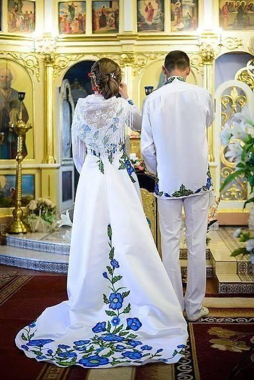 """Мережу підірвали яскраві фото """"бандерівського весілля"""" - фото 2"""