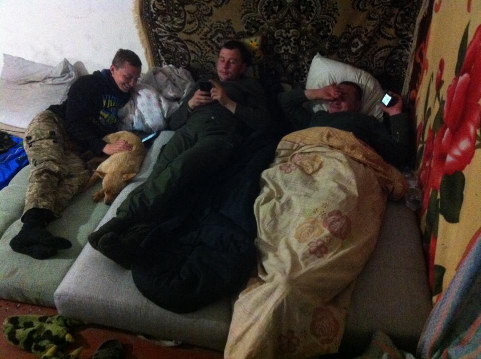Чим займаються на Донбасі найкращі друзі бійців АТО-3 - фото 8