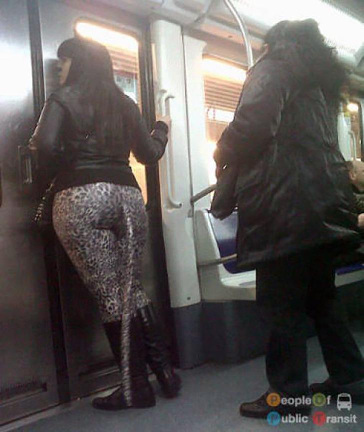 35 неймовірних диваків у метро - фото 16