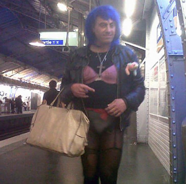 35 неймовірних диваків у метро - фото 22