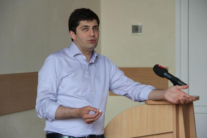 """Сакварелідзе розповів вінницьким студентам про потоки, офшори та """"реваншистів"""" - фото 2"""