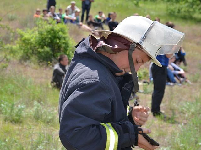На Миколаївщині юні рятувальники боролися з вогнем на навченнях - фото 3