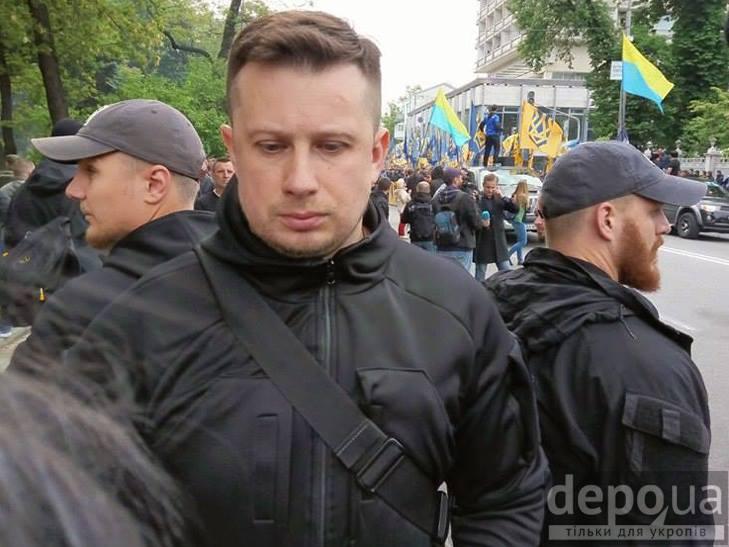 """Чи стане """"Азов"""" заміною """"Правому сектору"""" - фото 1"""