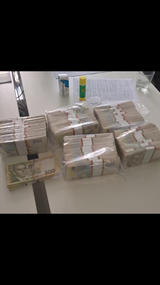 На Сумщині сільский голова вимагав 2,5 млн грн хабара - фото 2
