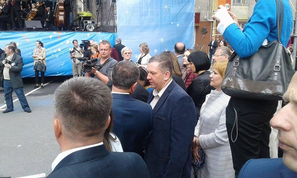 Гройсман, міністри та іноземні посли: у Вінниці розпочалось святкування Дня Європи - фото 2
