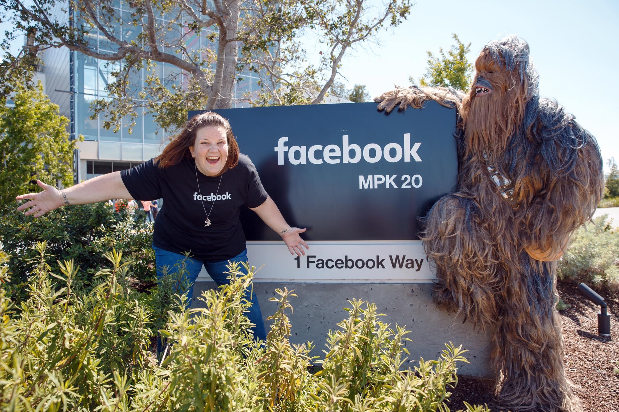 """Марк Цукерберг запросив """"маму-Чубакку"""", яка підірвала інтернет, в гості  - фото 2"""