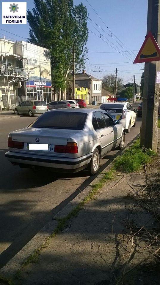 У Миколаєві впіймали чергове авто з підробними документами