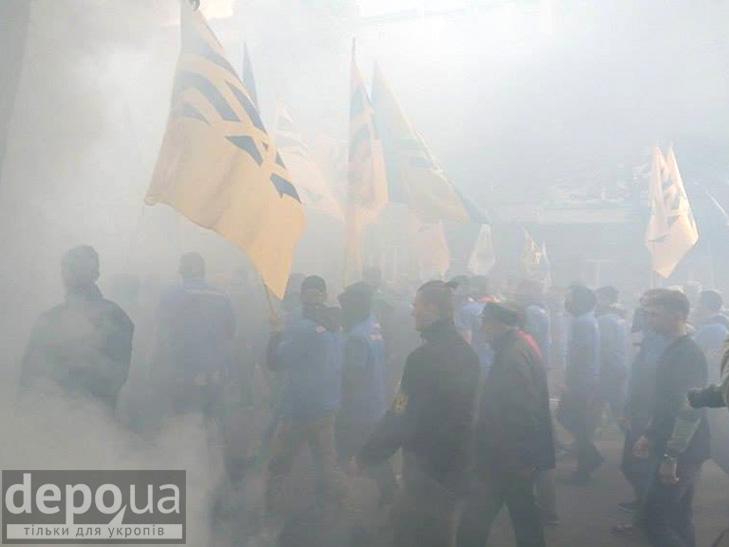 """Полк """"Азов"""" проводіть всеукраїнську акцію """"Вимоги нації - ні капітуляції!"""" ФОТОРЕПОРТАЖ (Оновлюється) - фото 1"""