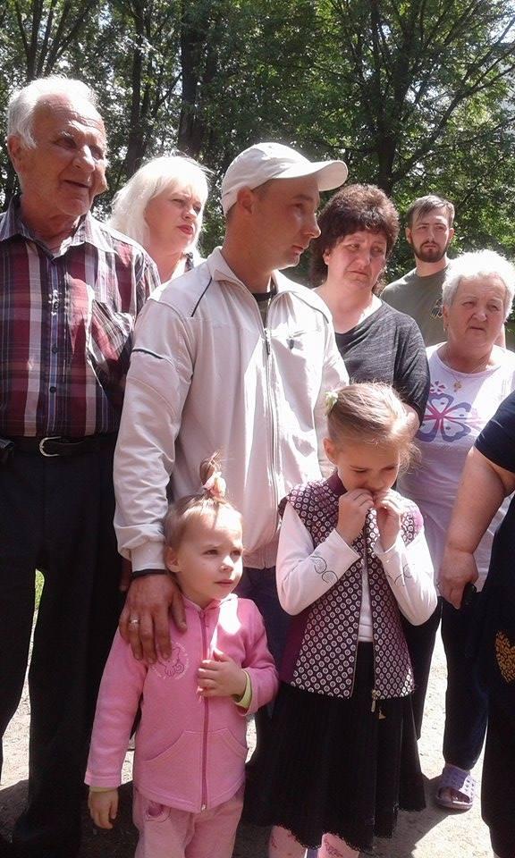 """Кілька десятків вінничан виступили проти будівництва церкви в парку """"Хімік"""" - фото 4"""