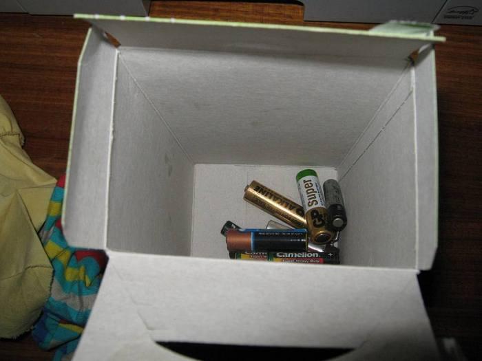 Львів'янка виявила у коробці з дитячим харчування батарейки - фото 3