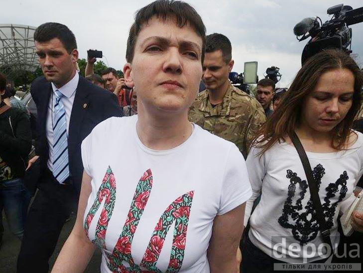 Перші кроки Надії Савченко на рідній землі. ФОТОРЕПОРТАЖ - фото 4
