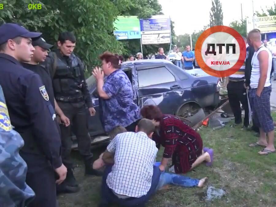 Страшне ДТП на Київщині: водій на швидкості 14 км\г збив дітей (ФОТО 18+) - фото 6