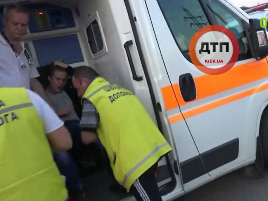 Страшне ДТП на Київщині: водій на швидкості 14 км\г збив дітей (ФОТО 18+) - фото 5