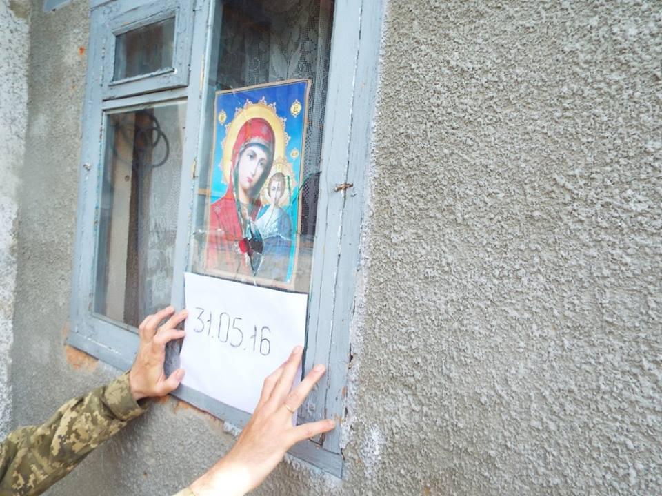 Пограбовані Росією: 5 історій вимушених безхатьків про золото, тортури і каміння - фото 3