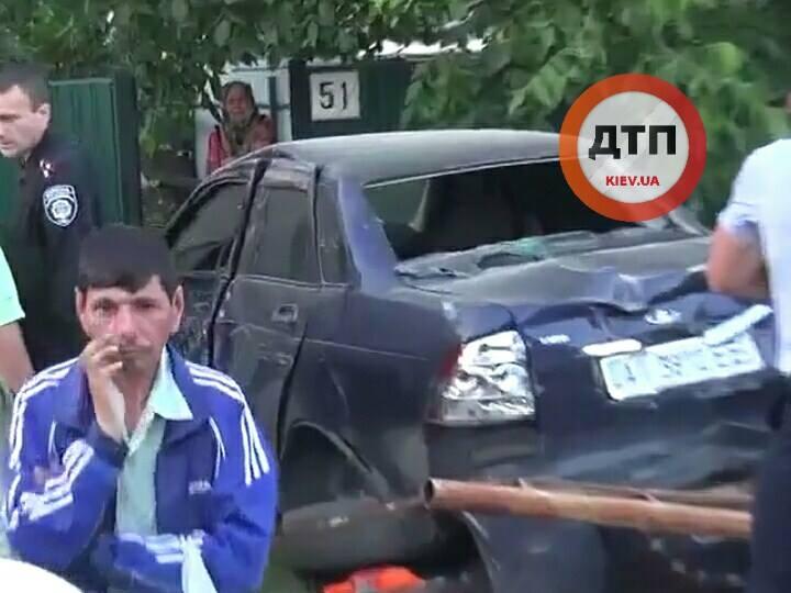 Страшне ДТП на Київщині: водій на швидкості 14 км\г збив дітей (ФОТО 18+) - фото 1