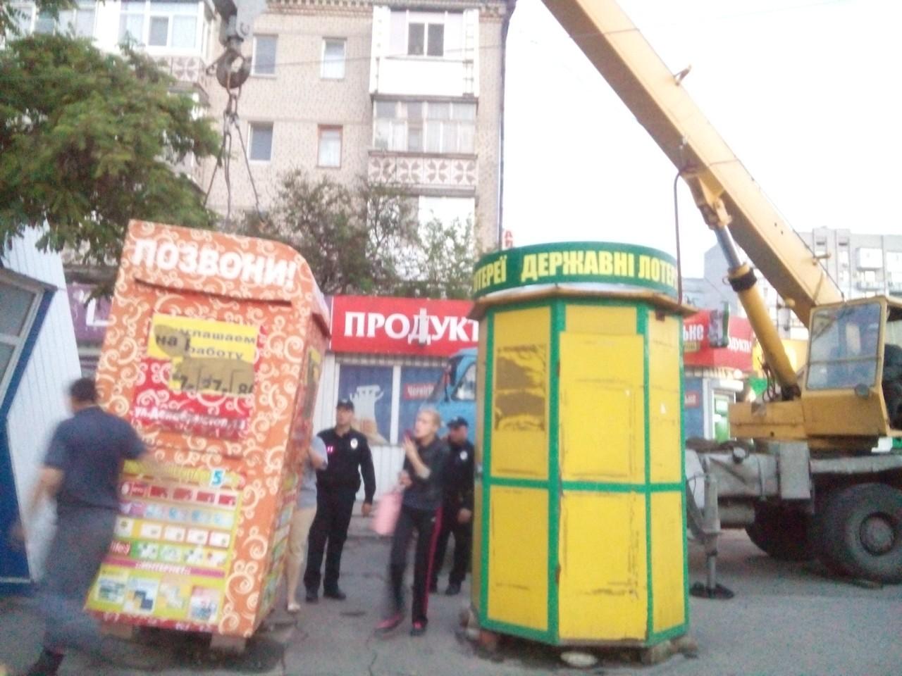 """У Миколаєві в """"залізній труні"""" залишили цілодобово чергувати жінку"""