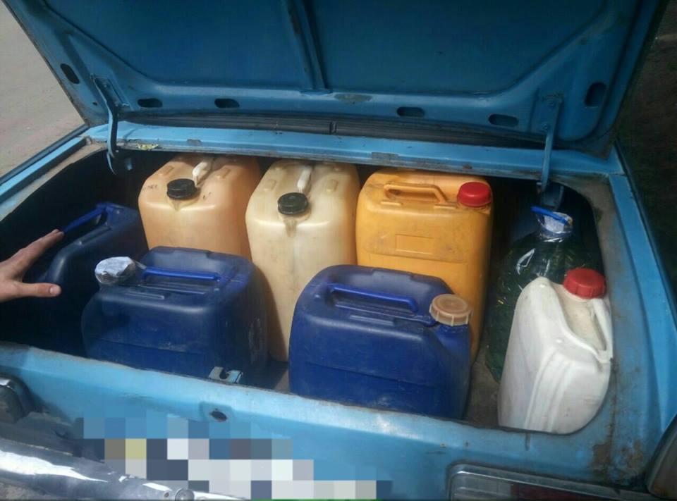 """Копи виявили харків'янина, який торгував паливом """"з рук""""  - фото 1"""
