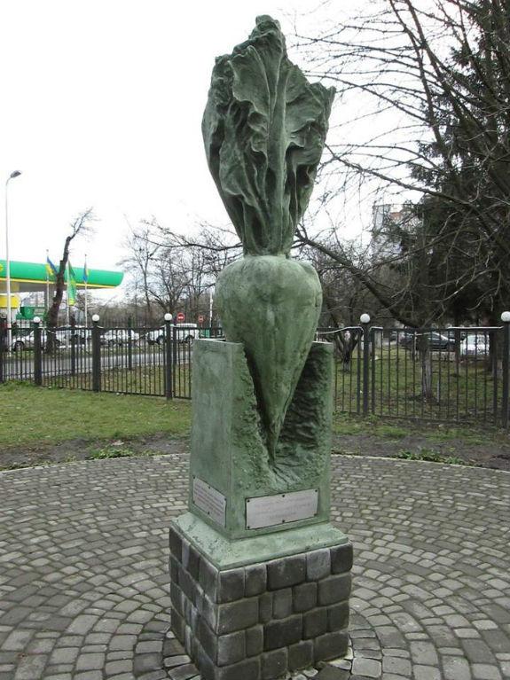 Фруктово-овочеві пам'ятники Києва - фото 2