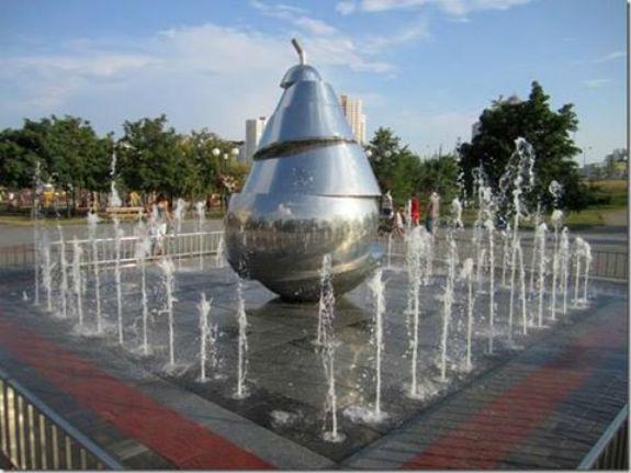Фруктово-овочеві пам'ятники Києва - фото 3