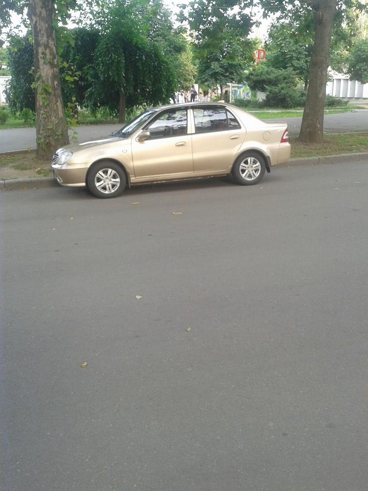 У Миколаєві водій, що колесив пішохідною вулицею, заробив штраф