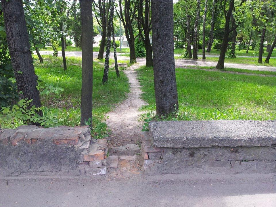 """Паркан розбрату, - або Чи стане скандальна """"стіна Рекути"""" місцем для селфі-паломництва - фото 3"""