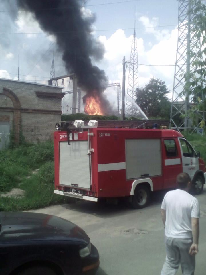 На харківському заводі спалахнула підстанція  - фото 1