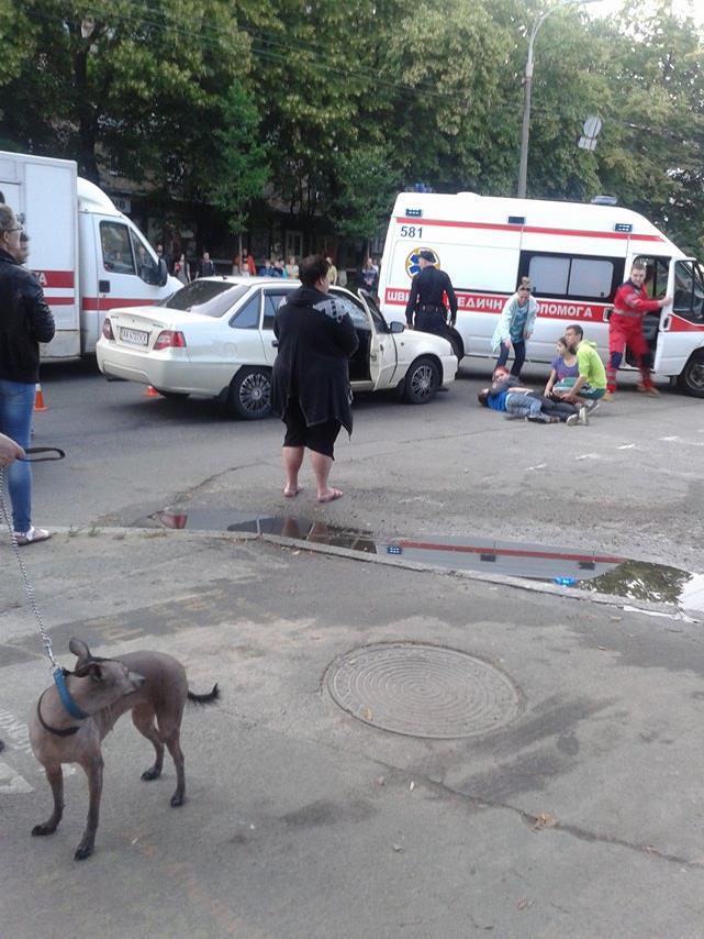 У Києві легковий автомобіль збив дитину  - фото 2