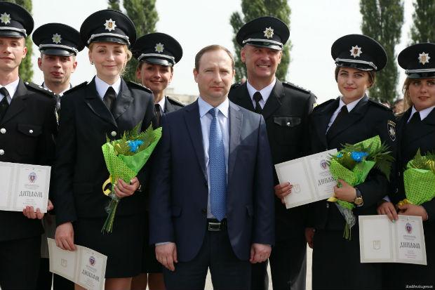 У Харкові випустилися 150 курсантів університету внутрішніх справ - фото 1