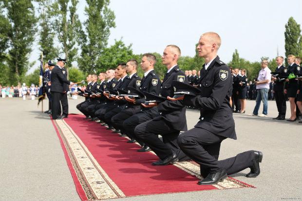 У Харкові випустилися 150 курсантів університету внутрішніх справ - фото 2