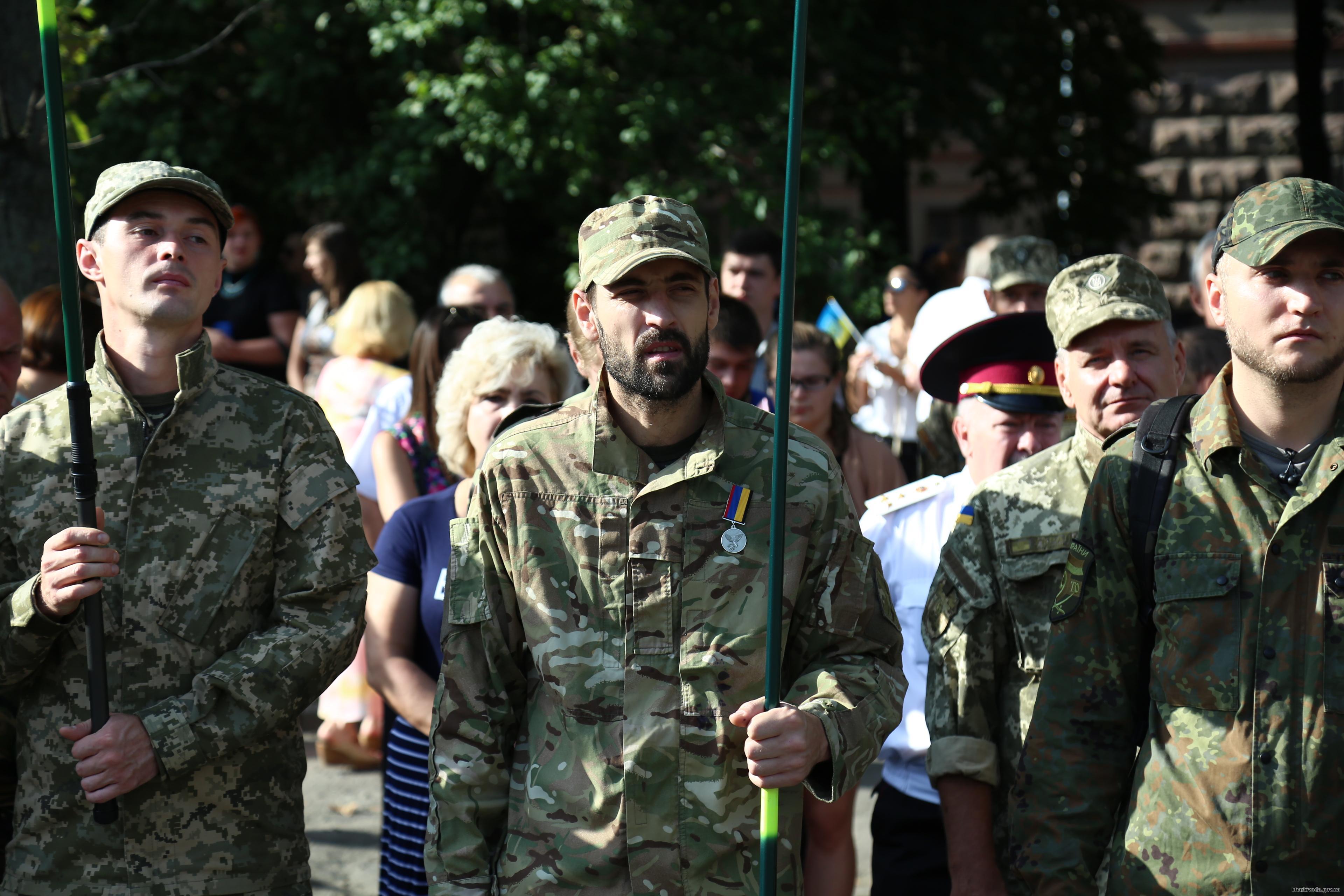На найвищому флагштоці Харкова підняли прапор України  - фото 4