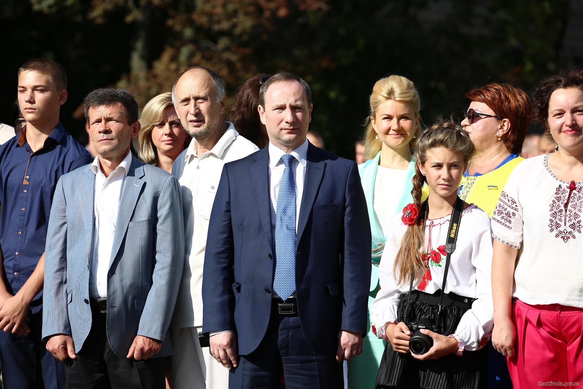 На найвищому флагштоці Харкова підняли прапор України  - фото 1