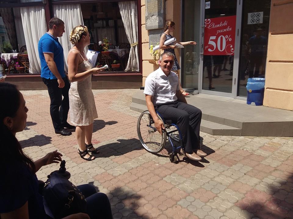 Мера Миколаєва посадили в інвалідний візок - фото 3