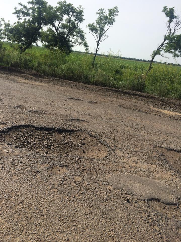 Розбита дорога та багно: реалії траси до миколаївського курорту - фото 1