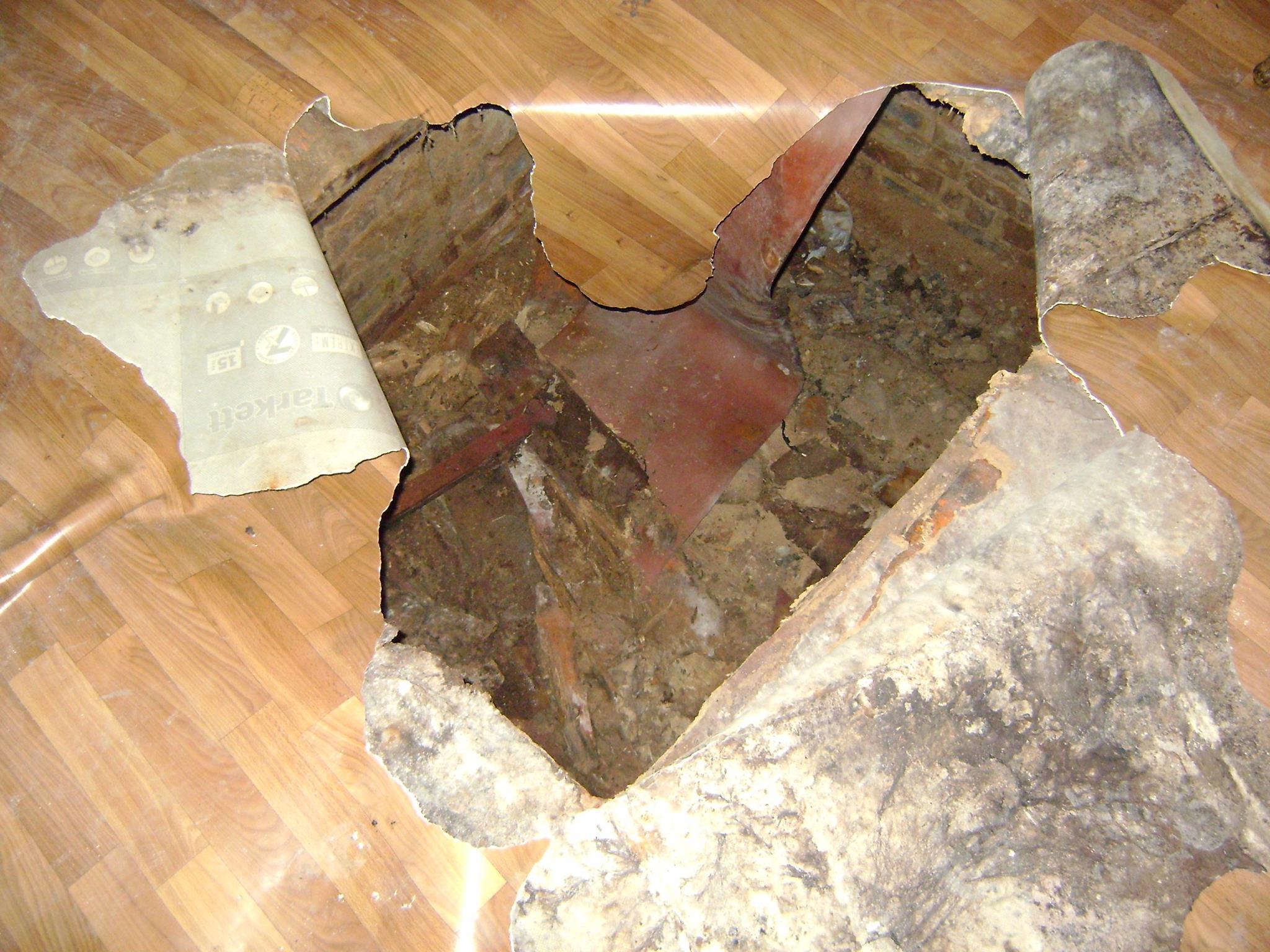 У Миколаєві жінка провалилась у підвал 100-річного будинку - фото 3