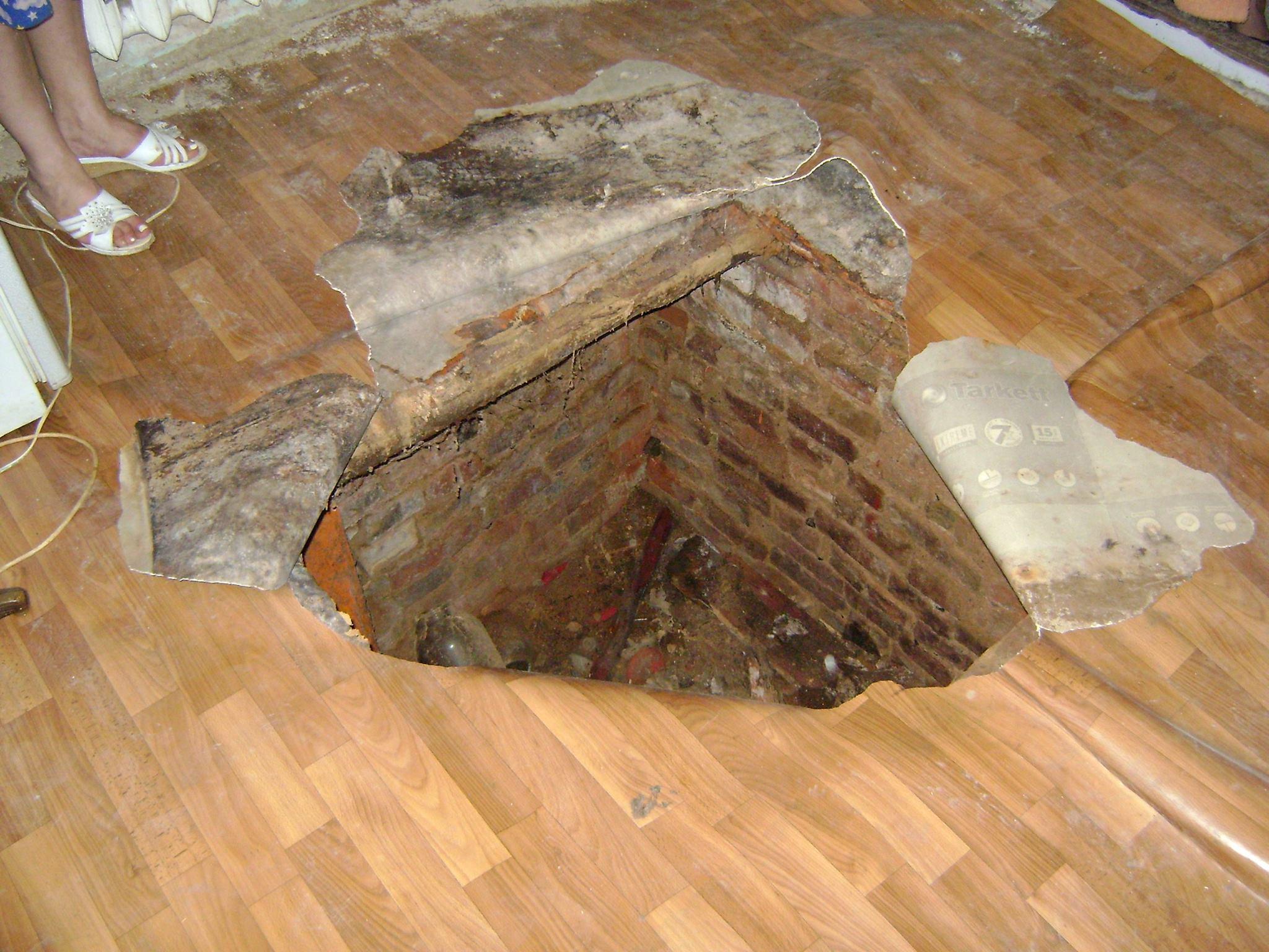У Миколаєві жінка провалилась у підвал 100-річного будинку - фото 2