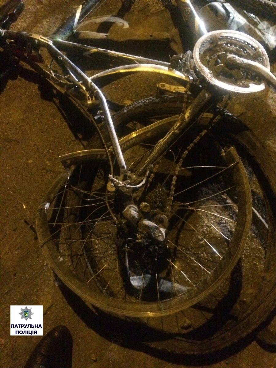 У Миколаєві Mitsubishi збив велосипедиста та втік - фото 2