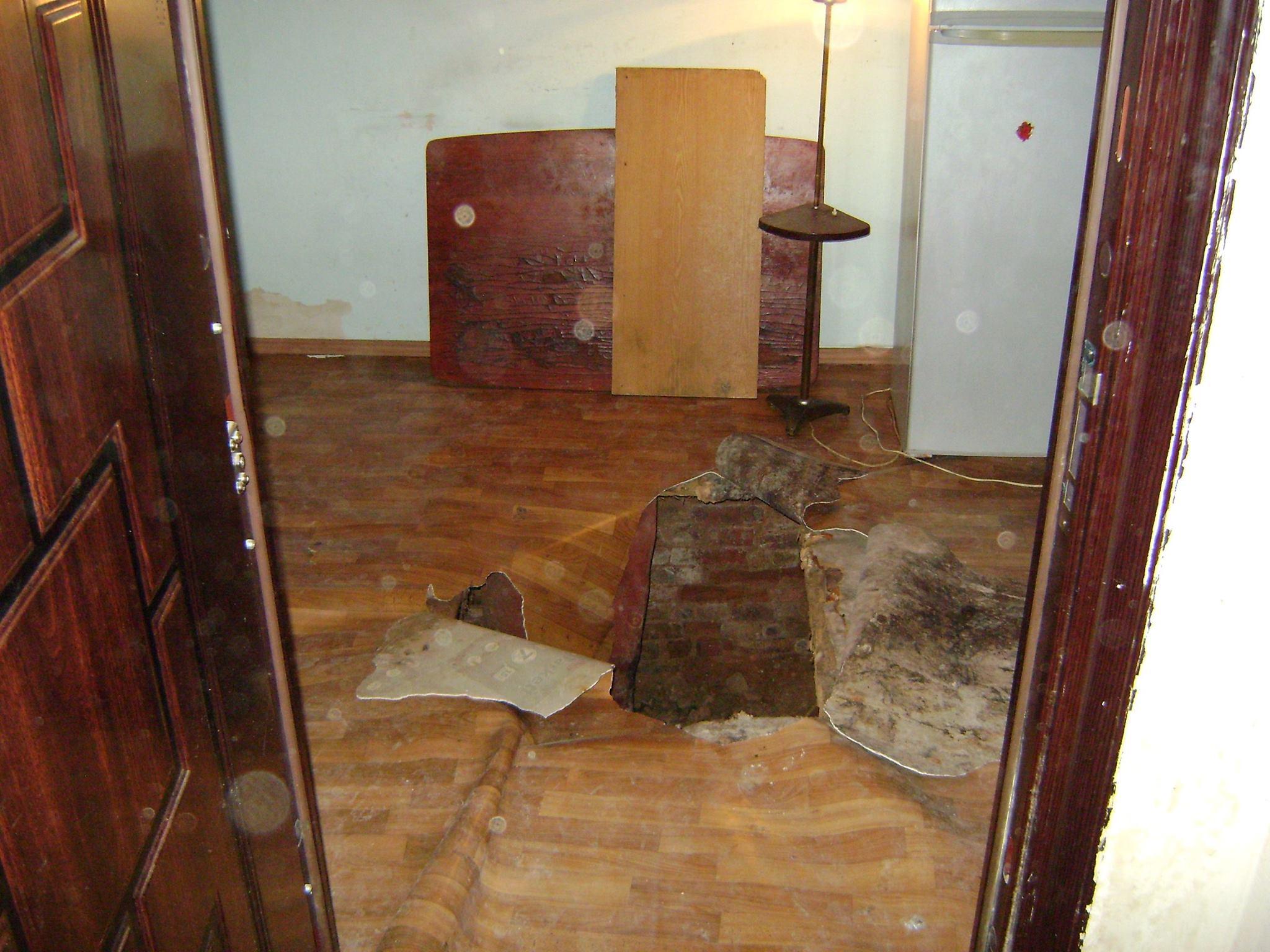 У Миколаєві жінка провалилась у підвал 100-річного будинку - фото 1