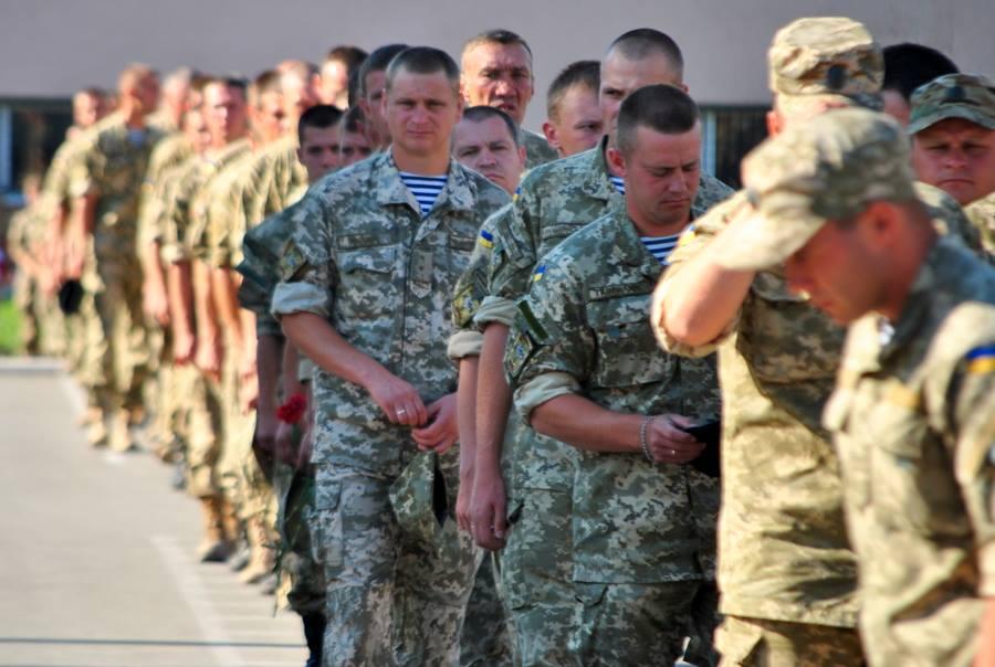 У Миколаєві попрощались з 23-річним військовим, що загинув під Маріуполем - фото 1