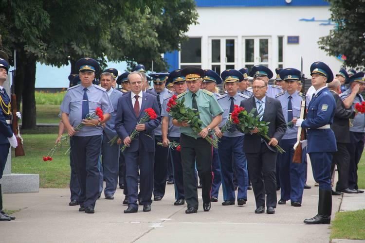 Третина українських льотчиків вже має бойовий досвід в АТО, - Муженко - фото 1