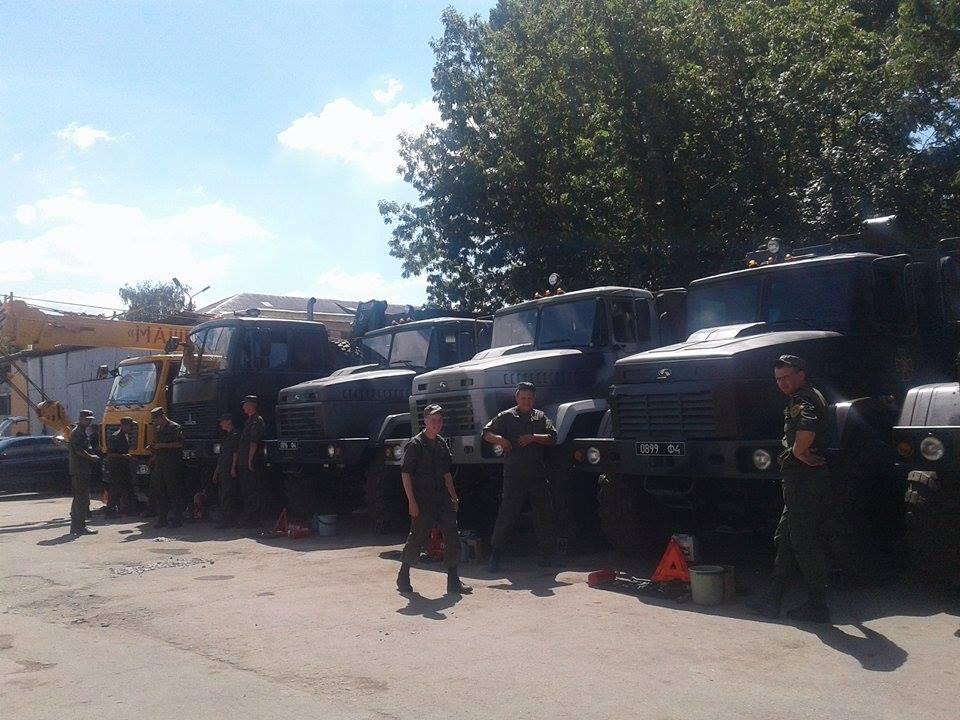 Вінницькі військові провели тест-драйв бойових машин - фото 2