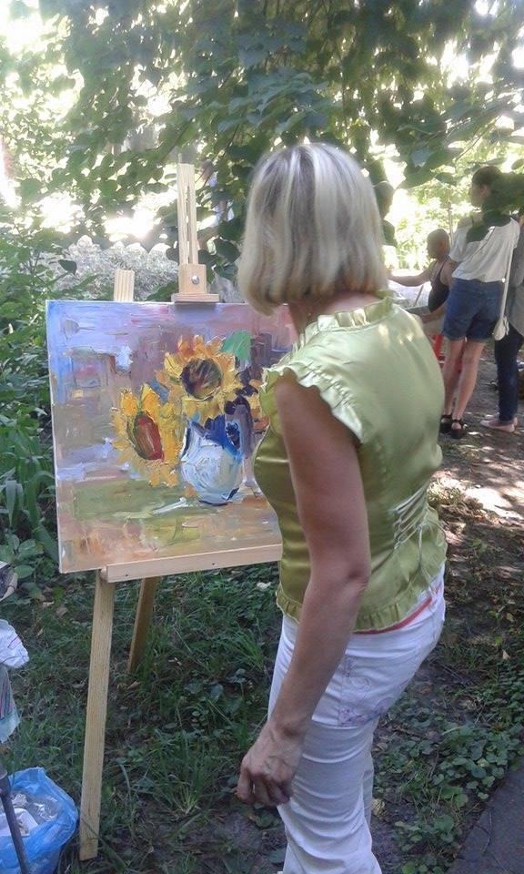 На території вінницького музею художники створили неординарні картини  - фото 2