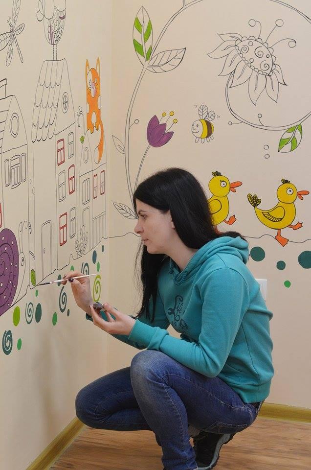 Вінницькі скетчери малюють по стінах кав'ярень та лікарень - фото 4
